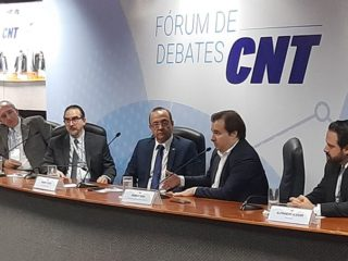 Presidente-da-Fetransul-forum-cnt